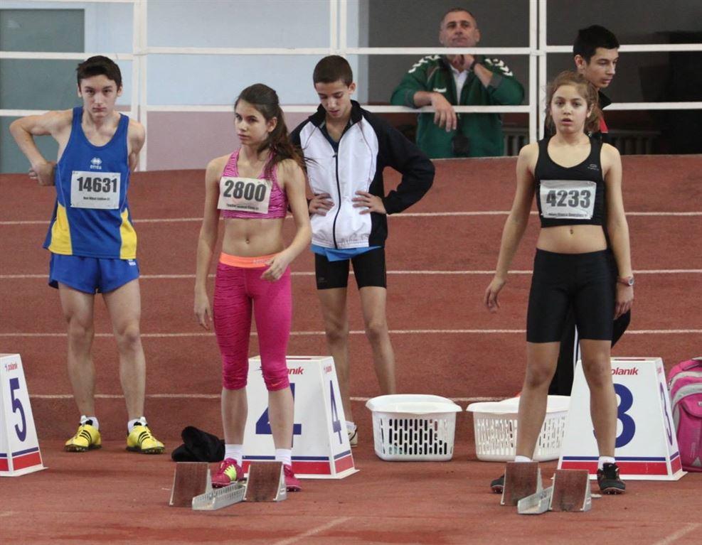 Opt locuri pe podium la nationalele de atletism pentru copii