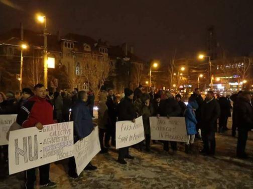 Ordonanta a fost abrogata, dar protestele continua si duminica seara