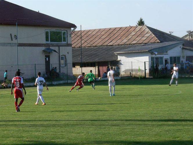 Sportul Chiscani invinsa pe teren propriu dupa ce a condus cu 2-0