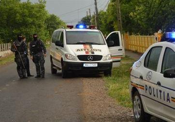 Perchezitii, impreuna cu politia spaniola, la trei persoane din comuna Vadeni