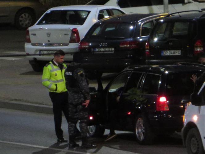 Peste 100 de persoane legitimate si 56 autoturisme oprite in trafic de politistii braileni