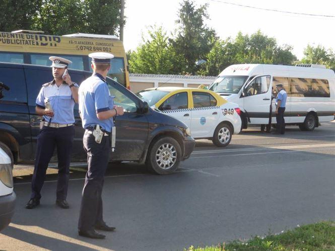 Peste 160 de vehicule oprite in trafic si peste 200 de persoane legitimate de politisti