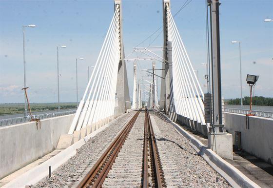 Podurile de cale ferata de peste Dunare vor fi reabilitate. Tancrad a pierdut licitatia
