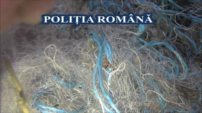 Polițiștii au găsit 6 plase monofilament într-un autoturism în comuna Vădeni