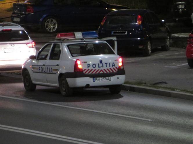 Sub aburii alcoolului s-a urcat la volan deși nu avea permis și a fost depistat de polițiști