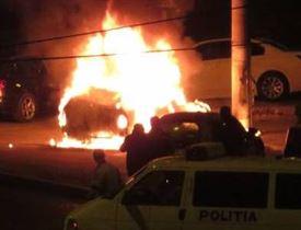 Pompierii au intervenit la două incendii de locuințe și pentru două autoturisme care au luat foc