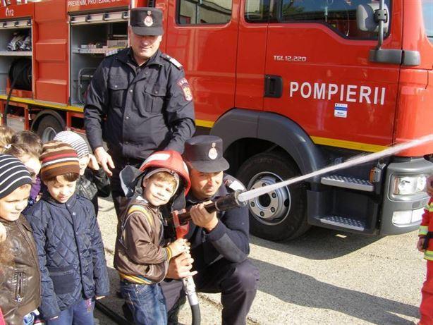 Prietenii pompierilor