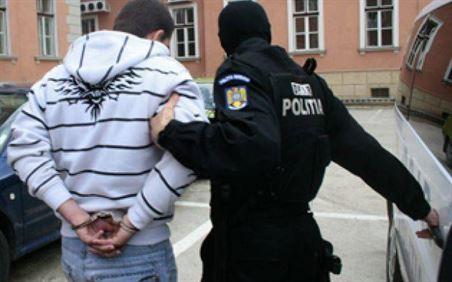Arestat pentru 30 de zile pentru 3 înșelăciuni prin metoda Accidentul