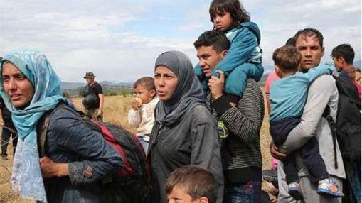 Reduceri de fonduri europene pentru tarile ce resping cotele de refugiati