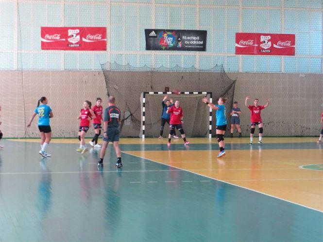 Sambata si duminica doua derby-uri la handbal junioare in sala LPS Braila