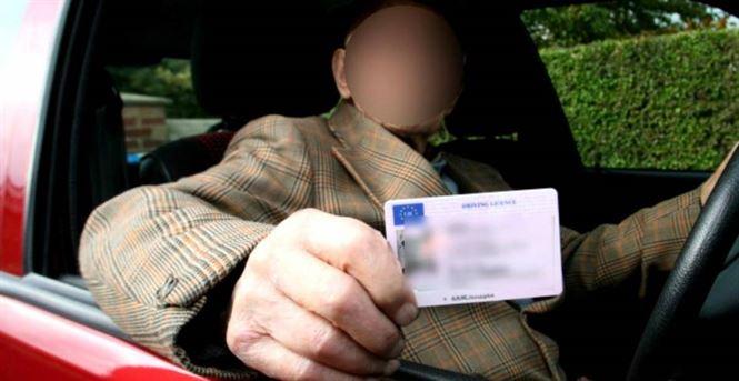 A condus aproape un an de zile cu un permis de conducere fals
