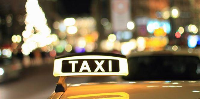 Taximetrist grabit si-a accidentat pasagera