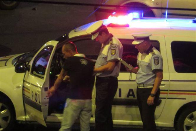 Un alt șofer băut a lovit o mașină parcată