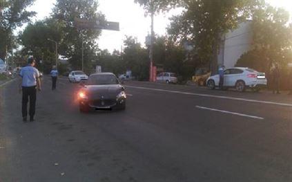 Un sofer baut a acrosat un biciclist pe Calea Calarasilor