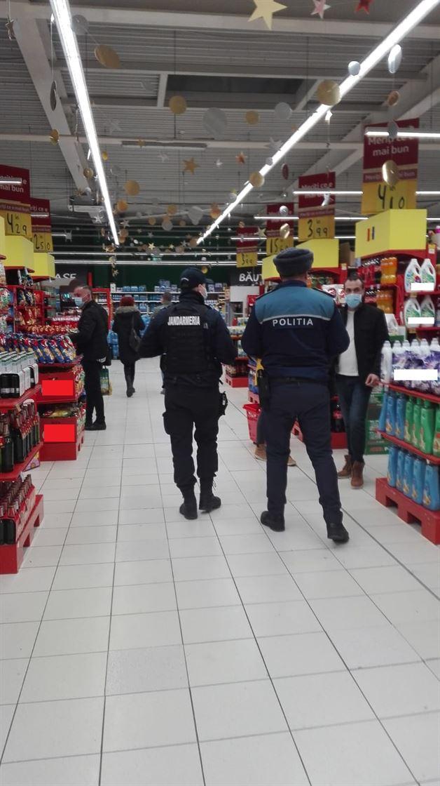 Polițiștii au desfășurat 16 acțiuni punctuale vizând societăţi comerciale