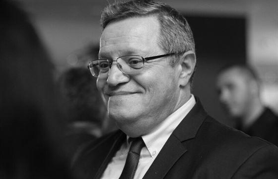Fost ziarist, iar de 23 de ani angajat la LPF, Adrian Ionescu a decedat la 64 de ani