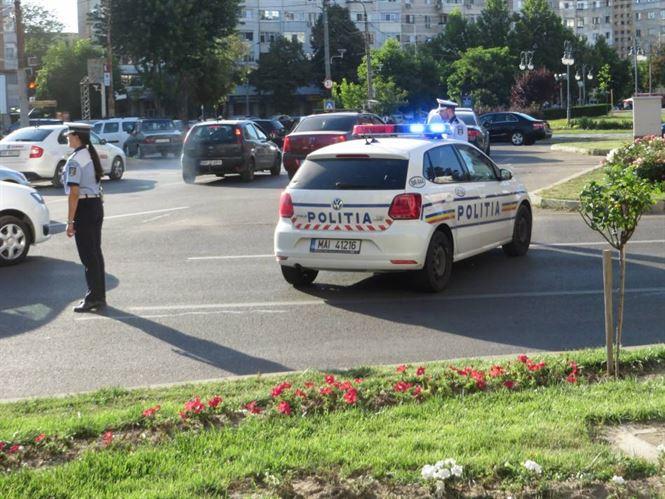 Peste 140 de politisti vor fi zilnic pe strada in minivacanta de Sf. Maria