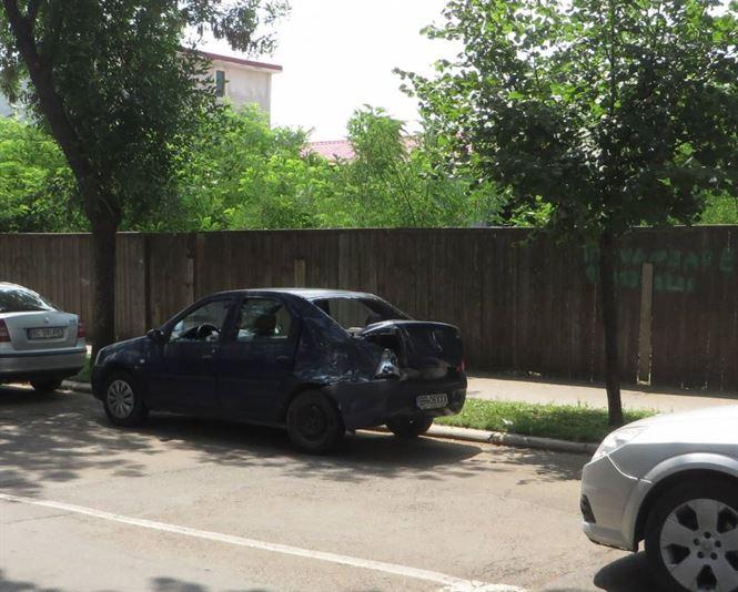 Trei mașini avariate din cauza neacordării de prioritate