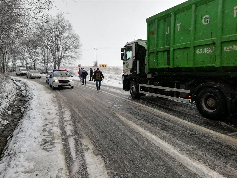 Doi brăileni accidentați grav în urma unui eveniment rutier pe DN 22D, în județul Tulcea
