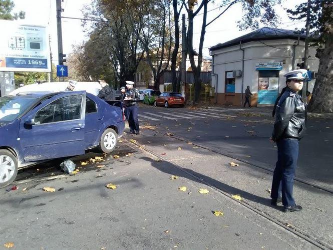 Încă un accident rutier la intersecția Bulevardului Independenței cu strada Eremia Grigorescu