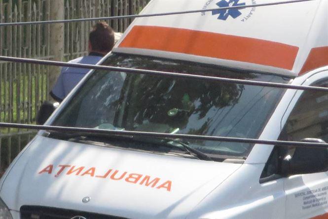 Accident la Silistraru. Doua autoturisme s-au lovit frontal