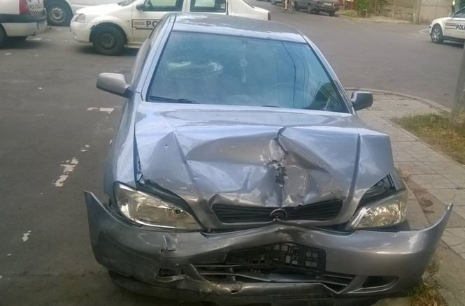 O tânără șoferiță a pierdut controlul volanului și a avariat alte 3 autoturisme