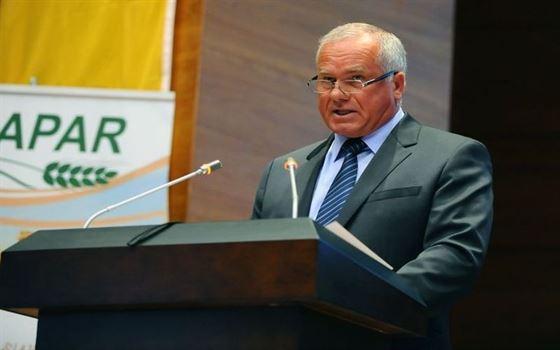 Fermierii cer sprijinul autoritatilor pentru infiintarea unei banci agricole