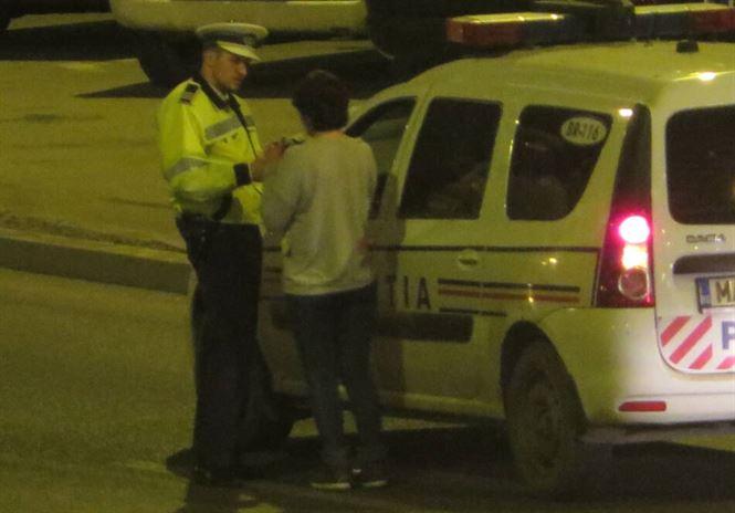 Depistați de polițiști conducând sub influența alcoolului