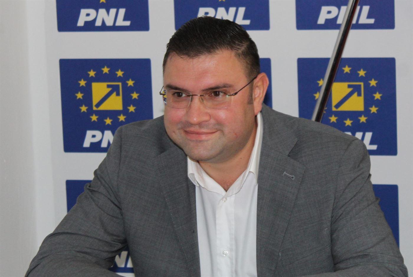 Ultima zi de campanie a candidatului PNL la Senat, Alexandru Bucălău