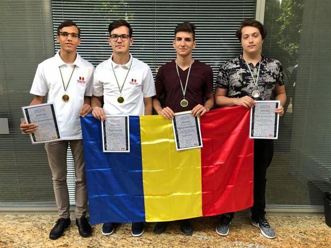 Medalie de aur pentru Alex Tatomir la Olimpiada Central Europeana de Informatica