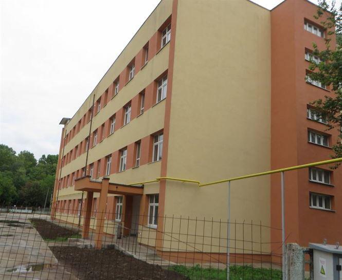 Douăzeci de cereri pentru apartamentele din blocul destinat specialiștilor în domeniul sănătății