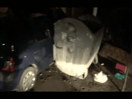 Video: Prinsi de jandarmi dupa ce au furat un autoturism cu care au intrat intr-o pubela