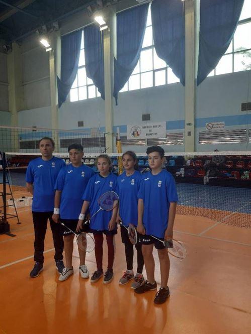 Echipa Școlii Berteștii d Jos locul 2 la faza regională a Olimpiadei Gimnaziilor la badminton
