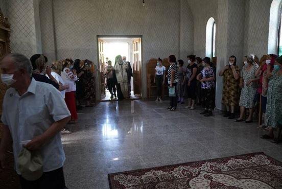 """Arhiepiscopul Casian a binecuvântat lucrările de la biserica """"Naşterea Maicii Domnului"""" din localitatea Ţibăneşti, comuna Tufești"""