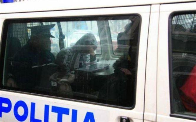 Urmărit la nivel național depistat de polițiști într-o clădire dezafectată