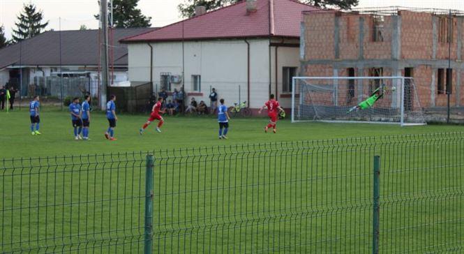 """Cu apărarea în """"vacanță"""" Sportul Chiscani a pierdut cu 3-6 meciul de acasă cu CS Popești-Leordeni"""