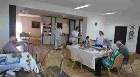 Stimulent de risc pentru personalul centrelor rezidenţiale de îngrijire a persoanelor vârstnice sau cu dizabilităţi