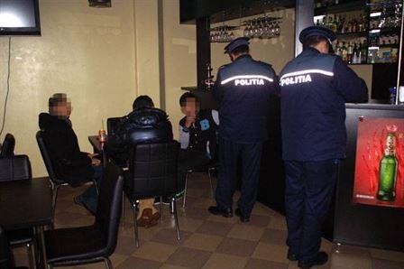 Razii de week-end ale politistilor in judet