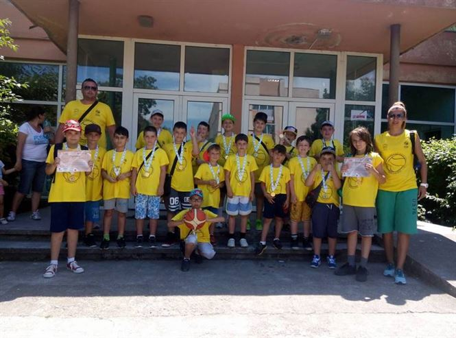 Cuza Sport Braila a participat cu 2 echipe la Liga Nationala de babybaschet