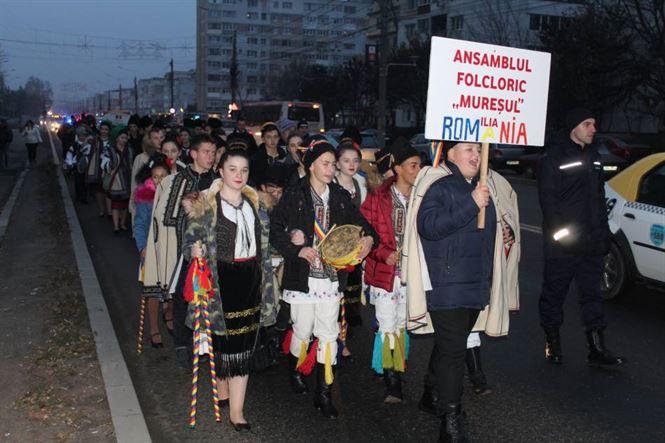 Parada Portului Popular s-a desfășurat astăzi pe Calea Călărașilor