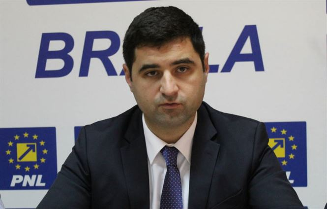 Dănăilă atac la Dragomir pe subiectul angajaților de la Primărie suspecți de COVID-19