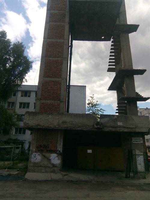 Se demolează fosta centrală termică de pe strada Ghioceilor