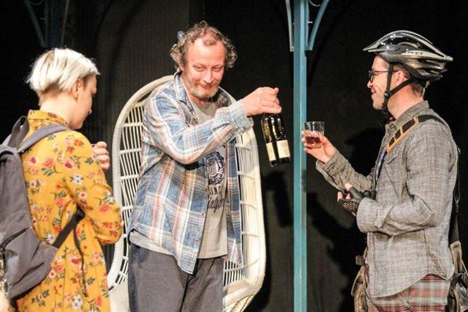 Demonstrația și Cântăreața chelă în acest weekend la Teatrul Maria Filotti