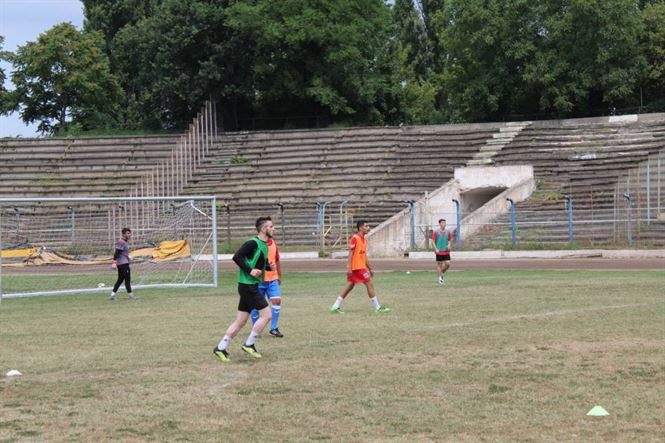 Dacia Unirea joacă astăzi pe Municipal primul meci amical