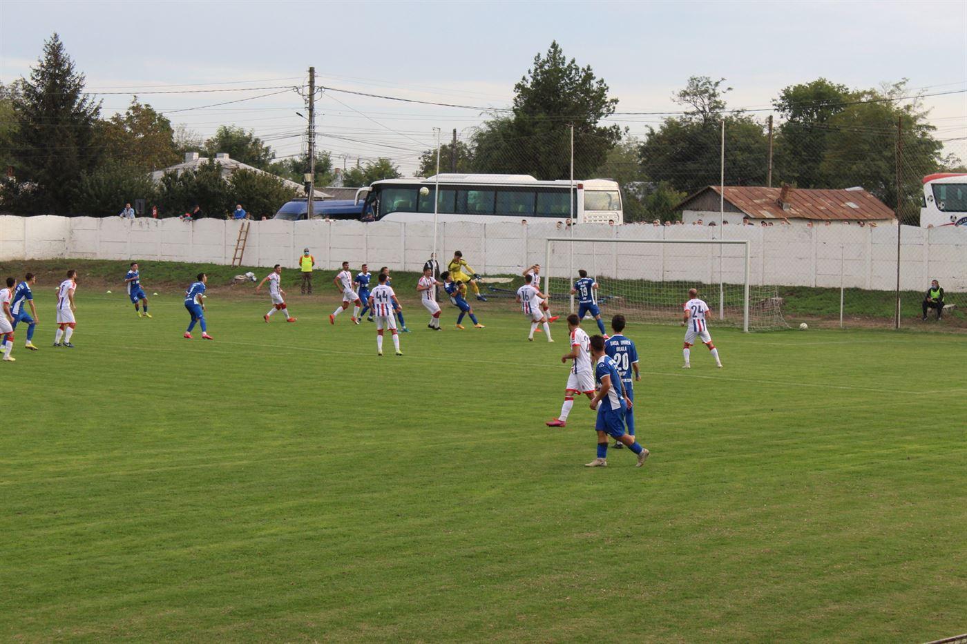Dacia Unirea Brăila a învins cu 3-2 pe SC Oțelul Galați și a trecut pe locul 1 în seria a II-a din Liga a 3-a