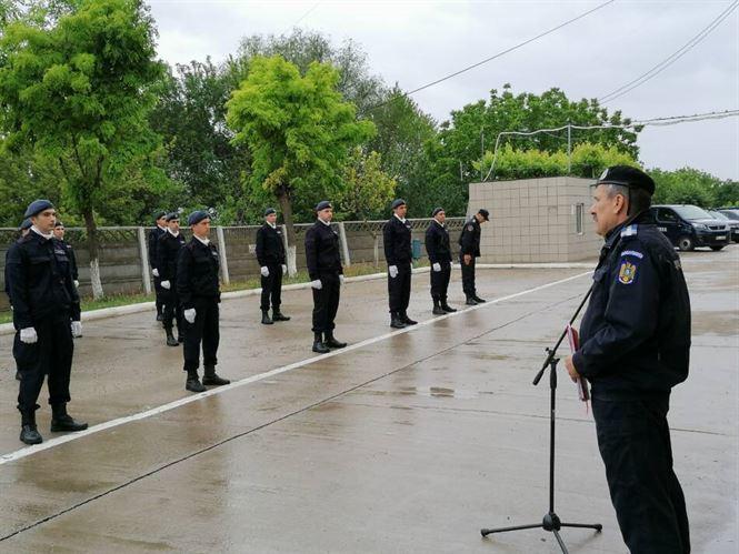 Elevi ai școlilor militare de jandarmi au depus astăzi jurământul