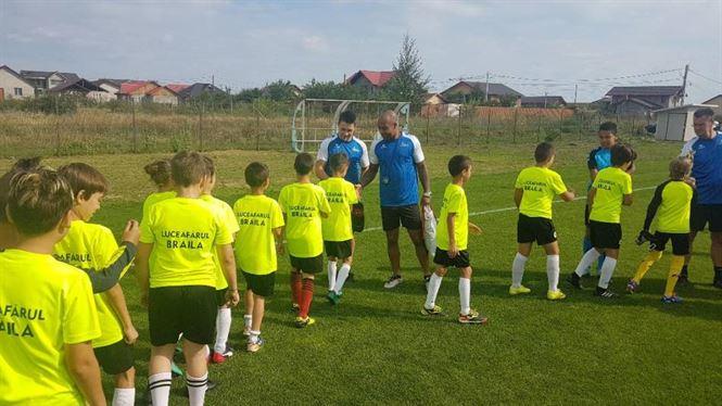Antrenament cu formatori de la scoala olandeza pentru fotbalistii de la Luceafarul Braila