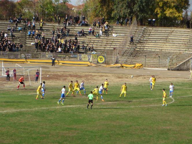 Dacia Unirea a condus cu 1-0 și 2-1, dar a pierdut în fața Petrolului cu 2-3
