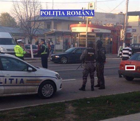 Actiuni de amploare ale politistilor cu sprijinul jandarmilor si a celor de la SAS