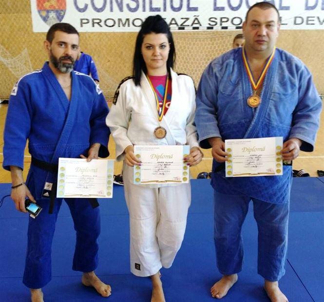 Politistii braileni au urcat pe podium la campionatul de judo al MAI
